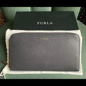 FURLA Gray Classic Zip Wallet